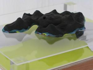 島をうかべる floating islands 2013 Watercolor and gouache on clay, wood, paper, acrylic board, fence  variable size